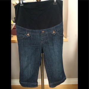 Thyme Maternity Capri pants L